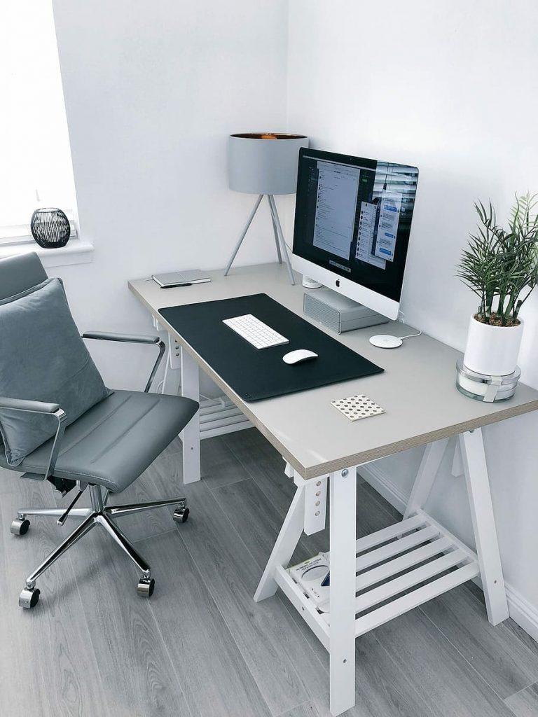 จัดโต๊ะทำงานที่บ้าน ต้อนรับ Work From Home